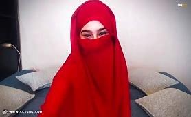 AmiraSerious   CKXGirl™   Full Red Hijab   www.ckxgirl.com
