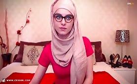 MuslimKyrah | CKXGirl™ | Glasses & Hijab | www.ckxgirl.com