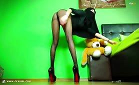 ZeiraMuslim | CKXGirl™ | Heels, Feet & Pantyhose | www.ckxgirl.com