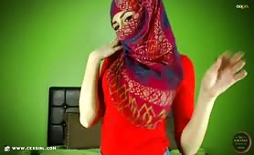 ZeiraMuslim | CKXGirl™ | Denim Jeans Leggings & Red Hijab | www.ckxgirl.com