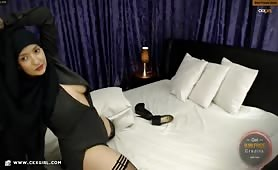 Muna aka muslimgirll | CKXGirl™ | Black Abaya & Stockings | www.ckxgirl.com