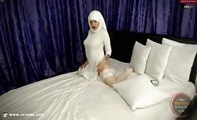 Muna aka muslimgirll | CKXGirl™ | White Abaya Dress | www.ckxgirl.com