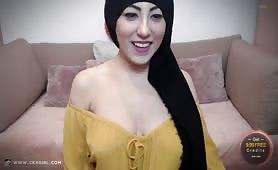 ArabianYasmina | CKXGirl™ | No Bra & Loose Top | www.ckxgirl.com