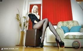 ZeiraMuslim | CKXGirl™ | Black Pantyhose & Heels | www.ckxgirl.com