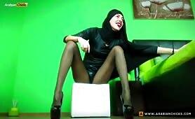 ZeiraMuslim Twerking & Dancing in Black Heels & Niqab | CKXGirl.com | Private Show