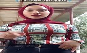 Hijab Muslim on TikTok Tight Top
