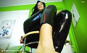 ZeiraMuslim Showing Feet in Black Shiny Latex Leggings @ CKXGirl.com