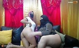 Hassan_Zawjat Big Ass Arab Lesbian Webcam @ ArabianChicks.com
